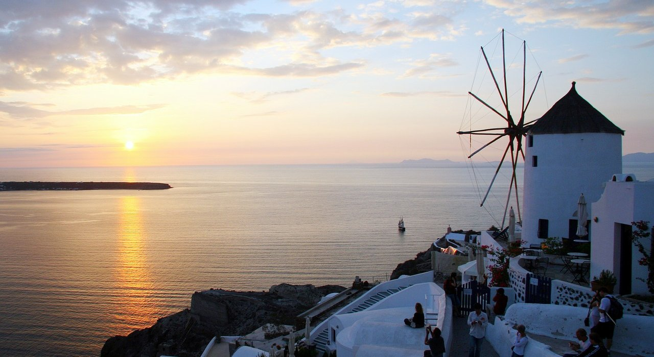 Santorini Summer Short Break - Image 1