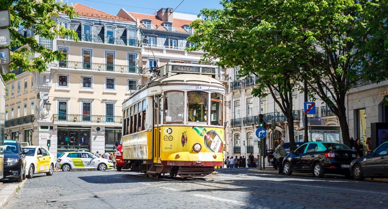 Christmas Gift Inspiration 4* Lisbon City Breaks - Image 3