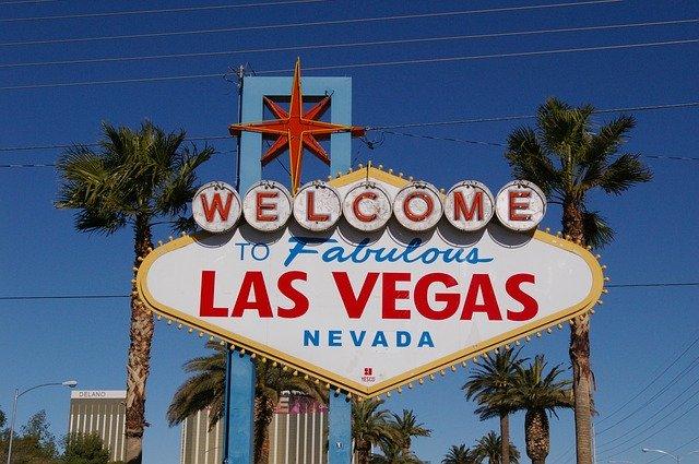 Christmas in Orlando & Las Vegas - Image 5