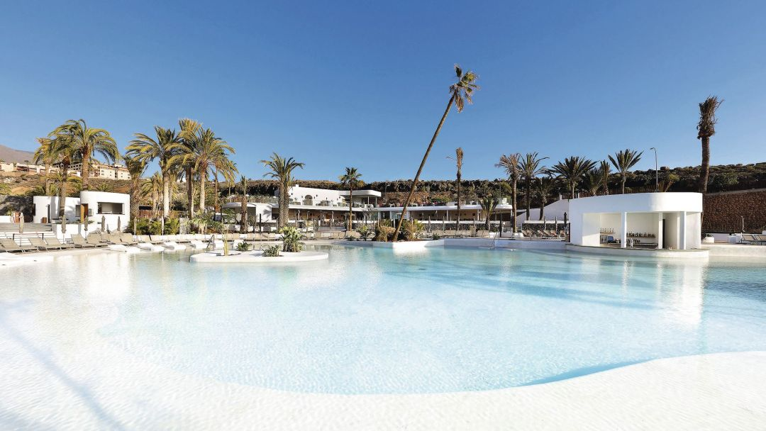 Time to Rock it up in Tenerife 5* style - Image 1