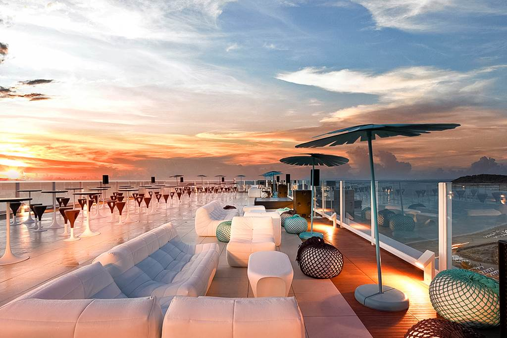 HARD ROCK IBIZA PARTY IN STYLE - Image 1