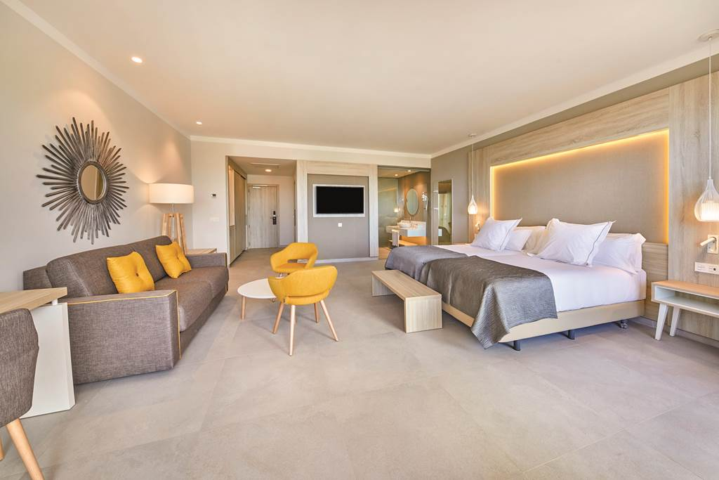 Tenerife 5* Lux Family Offer - Image 4