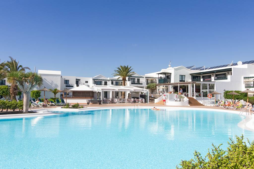 LAST MIN Pack Yer Bags and Go To Lanzarote - Image 1